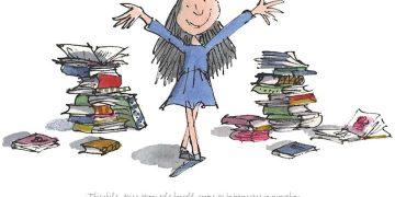 Kitap Kurdu Küçük Kız